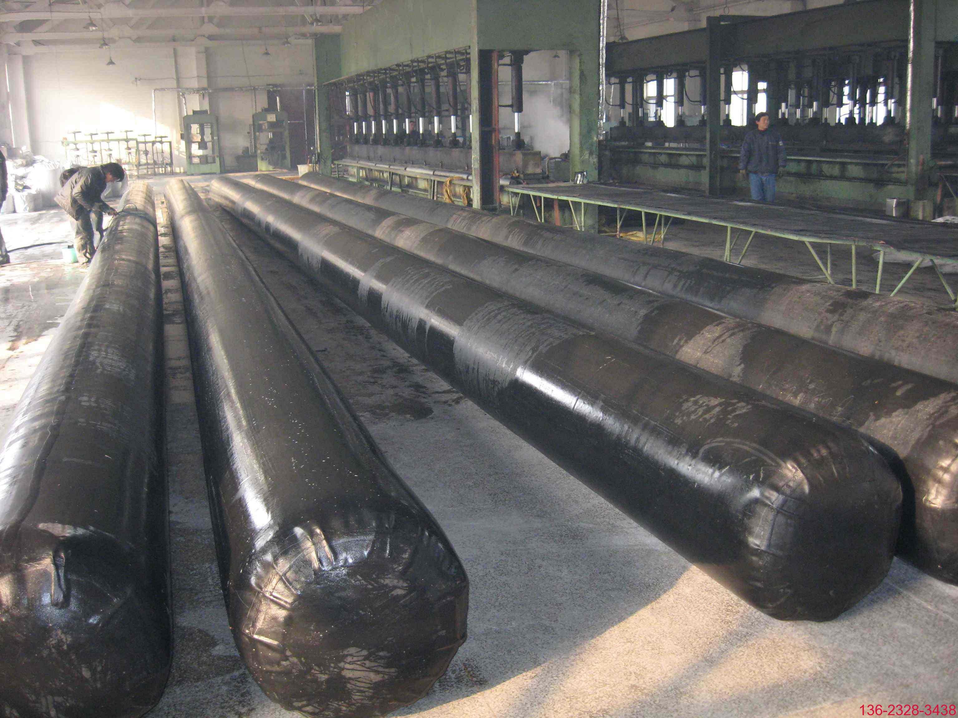 桥梁空心板充气芯模-纤维加强热压高温硫化一次成型3